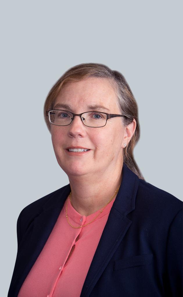 Portrait of Senior Patent Agent Donna Robertson-Chow, Esq.